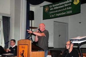 Oberst Heinz Hennemeier informiert über die Planungen zum Kreisschützenfest